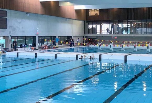 Zwembad Kortrijk met beweegbare bodems en keerwand