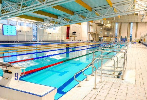Basseng for dykkere, Fosses de plongée, Springerbecken, beweegbare zwembadbodem duikpit, beweegbare zwembadvloer duikpit, duikpit, duiken, duikles, variopool, movable floor diving pit
